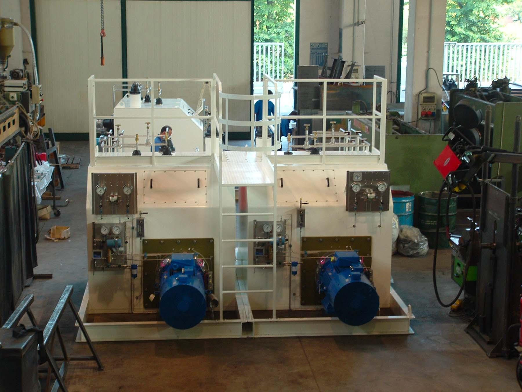 Pompa centrifuga con coibentazione in cold box   Carpenteria Locatelli Bergamo
